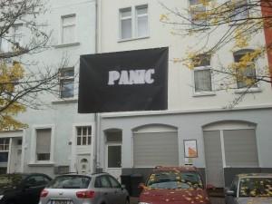 Oberste Regel des Anhalters: Don´t Panic! (Foto: Hanno Bender)